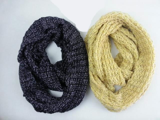 Stylish infinity scarves for cold day