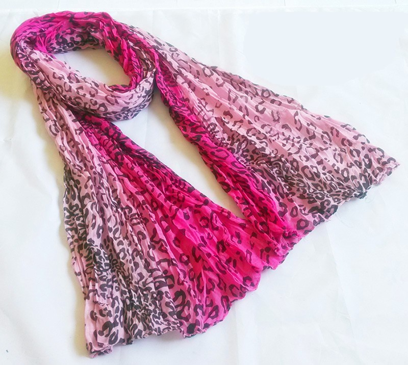 Pink leopard polyester scarf
