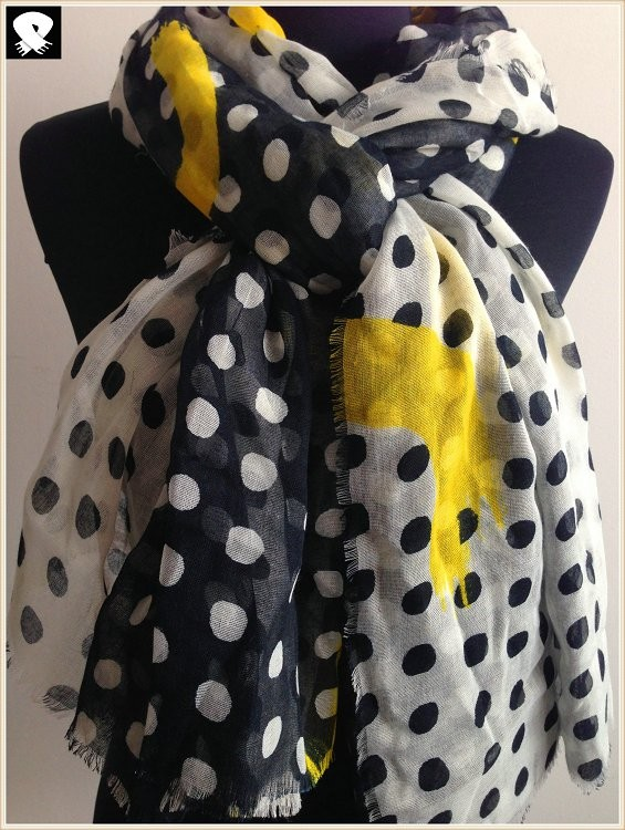 Polka dots polyester scarf with neon yellow prints