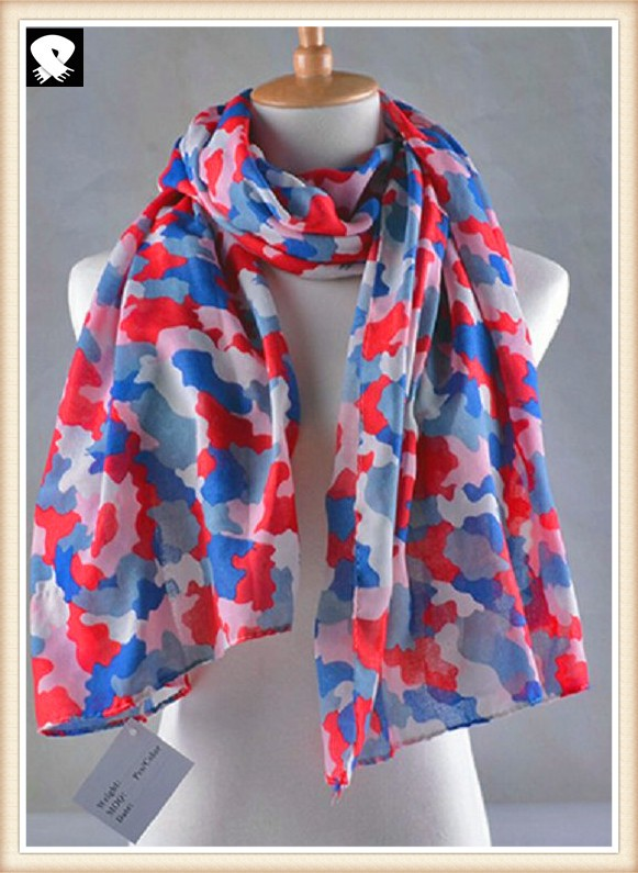 Stylish woven printed polyester scarf