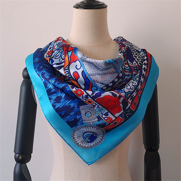 China scarf factory custom printed bandanas no minimum