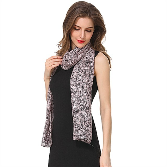 Lightweight polyester scarf in China scarf factory