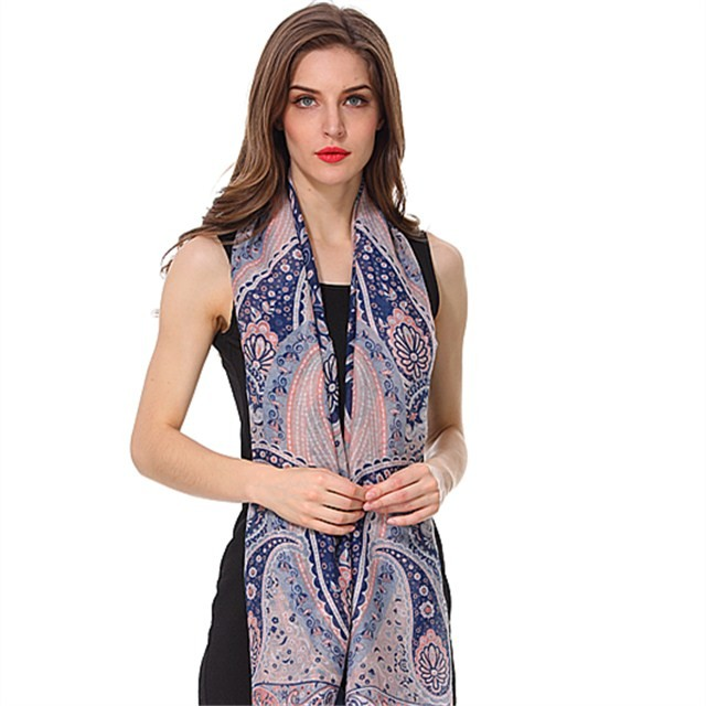 New paisley printed polyester scarf in scarf factory
