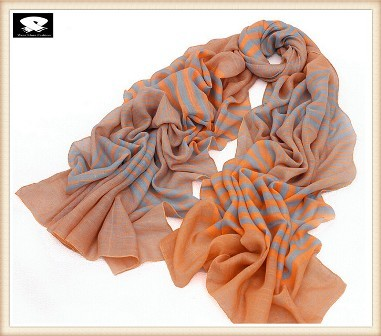 Multi-color stripes scarf in china scarf factory
