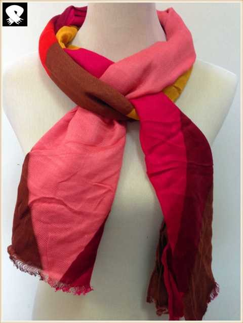Red and pink scarf in China scarf factory