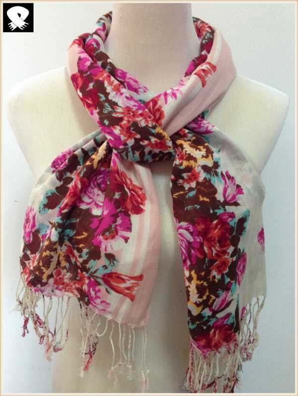 Vivid floral scarf develop in China scarf factory