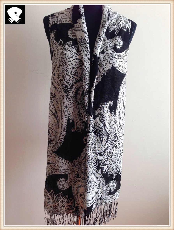 White paisley viscose scarf